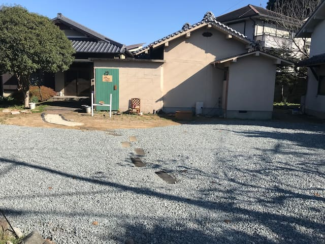 guesthouse UME 【Male dormitory】~ 里山と城下町の高取町~