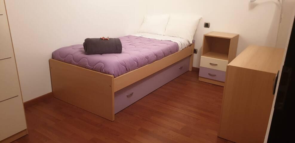 Habitación  individual con 2 camas de 90 cm