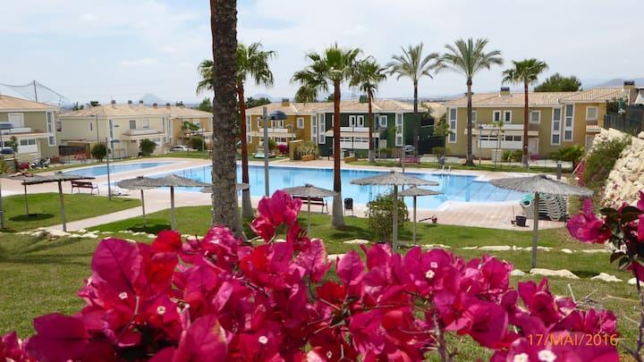 House Illeta Golf Bonalba N ° 37 Alicante