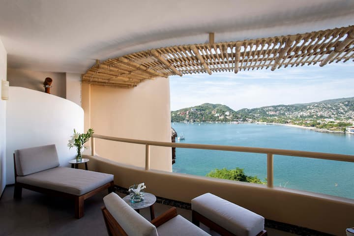 Adults-Only Beachfront Modern Bright Luxury Condo