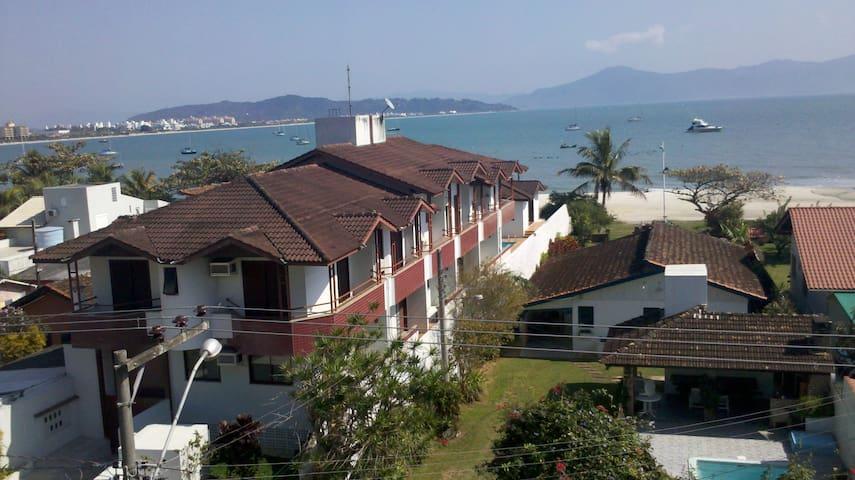Apartamento em Jurerê (Canajure). excelente local.