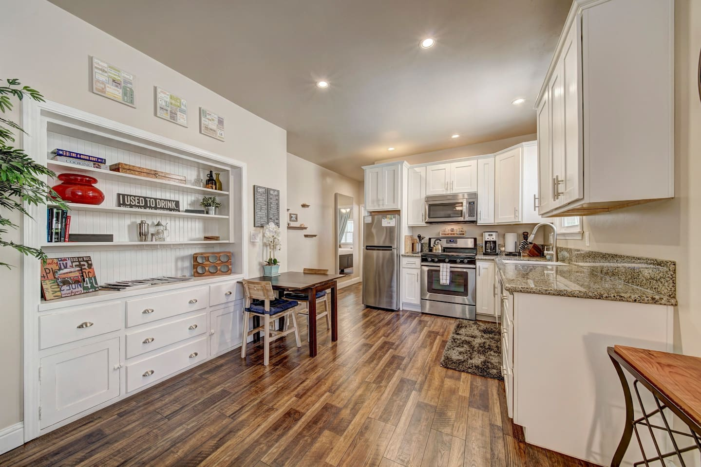 Nicely remodeled with full size kitchen to whip up a nice meal. The natural light streams in through a number of different windows and the open space concept has a nice tranquil flow to it