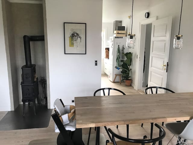 Dining room with view to the kitchen
