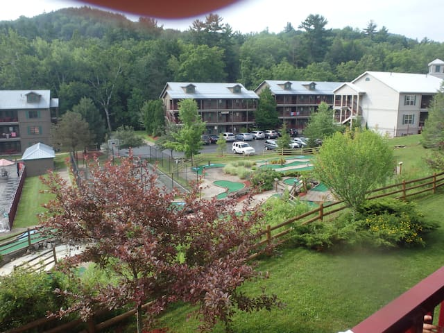 Oak'n Spruce Resort in Berkshires, MA