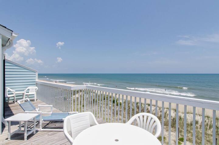 Sea Suite-Comfortable oceanfront condo with breathtaking views