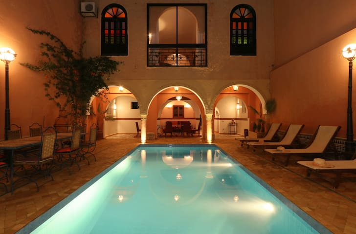 Marrakesh Top Holiday Lettings Marrakesh Holiday Rentals - Beautiful madness 10 extraordinary bedrooms near the swimming pool
