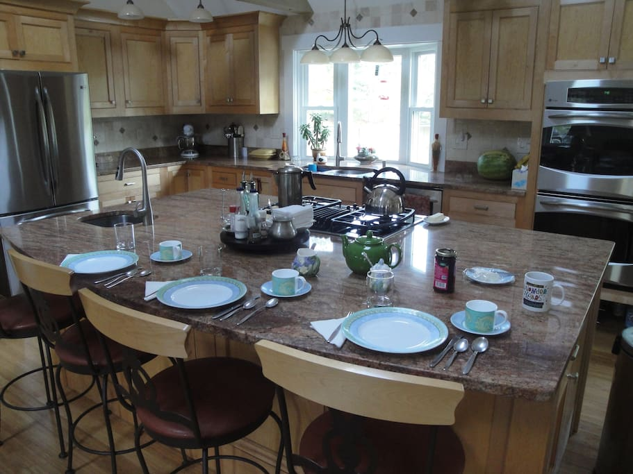 Breakfast is served at the island in the kitchen between 7-8 am.