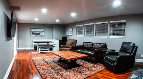 MONTHLY DISCOUNT!! 2000 ft² East Side Basement Apt
