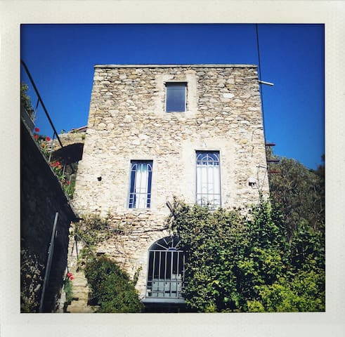Casalfiume - beautiful stone mill - Dolceacqua