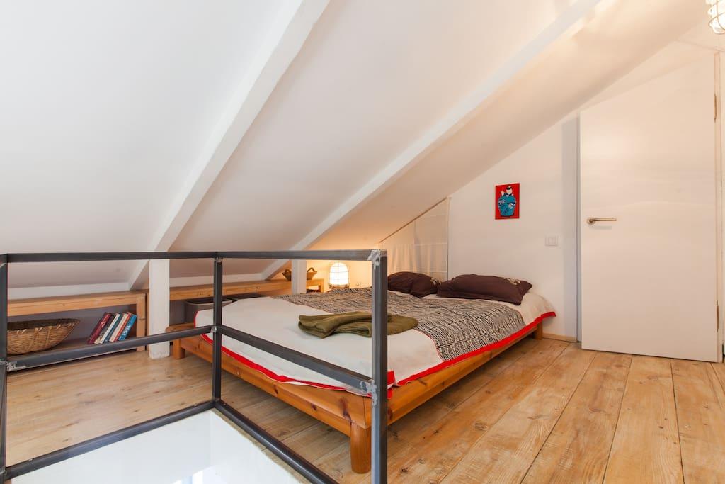 Sleeping room (upstairs - mansarda)