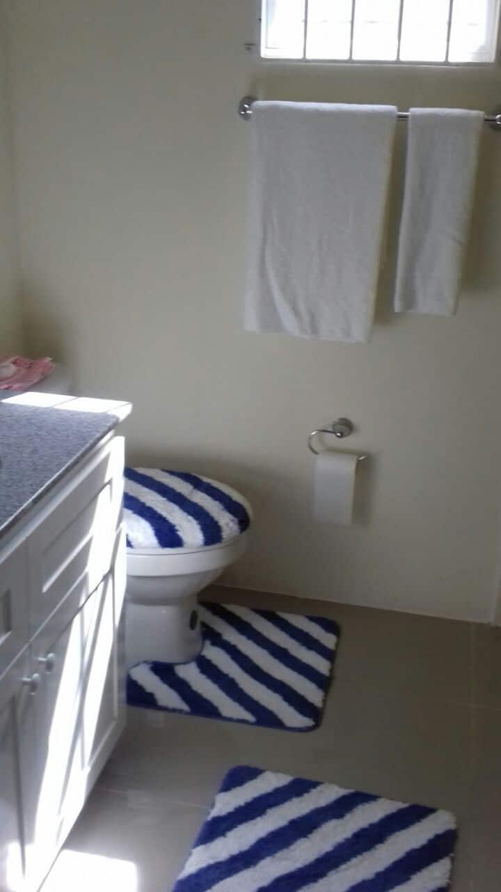 2/3 bedroom Villa in Ocho Rios, beautifulcommunity