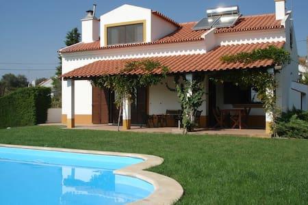 Casa com piscina privada, Lavre, 1 hora de Lisboa