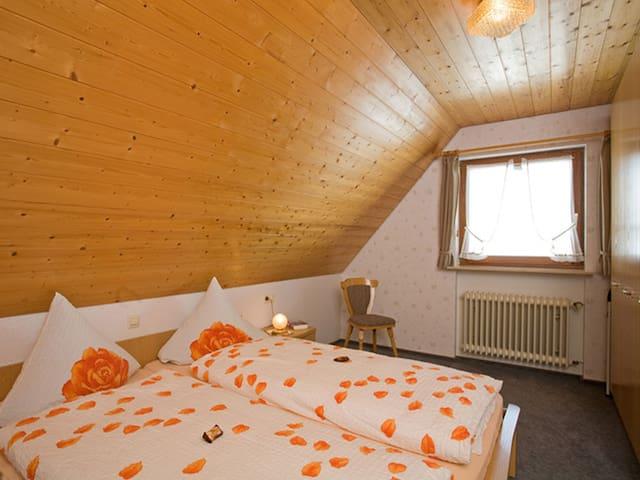 Lorenzenhäusle, (Titisee-Neustadt), Ferienwohnung Hochfirst - Panoramablick, 72qm, 2 Schlafzimmer, max. 4 Personen