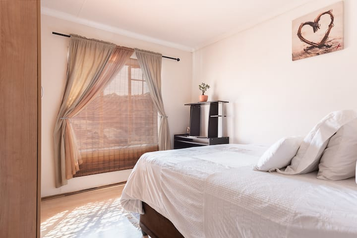 Comfortable room to rent in Germiston