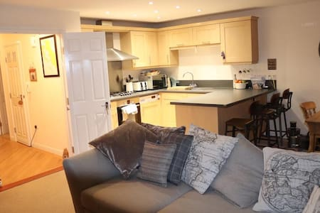Cosy Modern 2 Bed Flat in Central Stamford