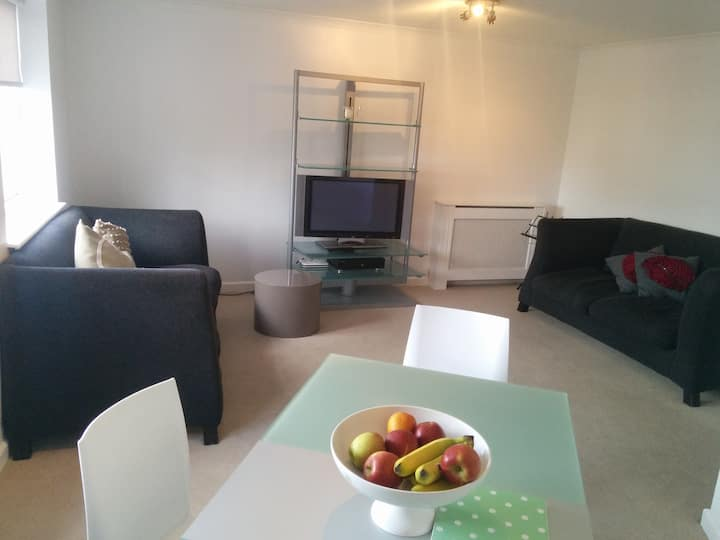 London Chiswick Apartment in Zone 2