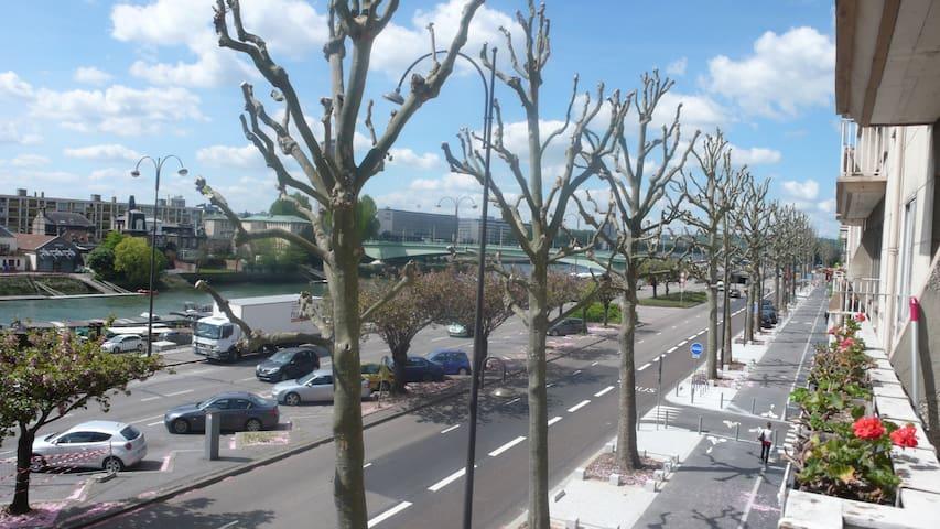 Bellevue sur Seine - centre ville avec parking - Rouen - Apartment