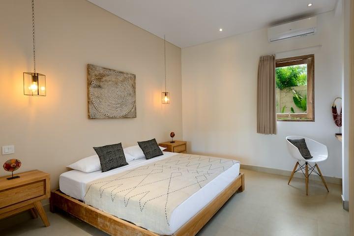 Beautiful 1 bdr apartment at Batubolong beach
