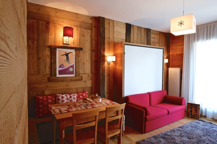 Cozy new luxury flat in Cervinia .