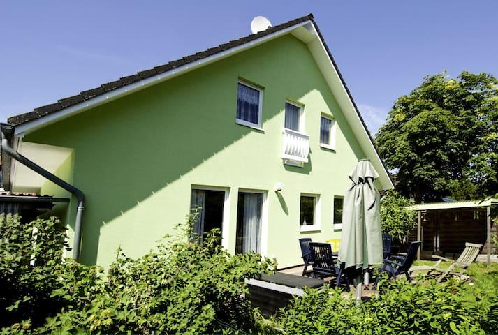 Gemütliche Dachwohnung nah am Meer - Prerow - Haus