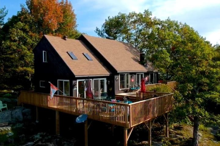 South Facing Muskoka Gem on Six Mile Lake