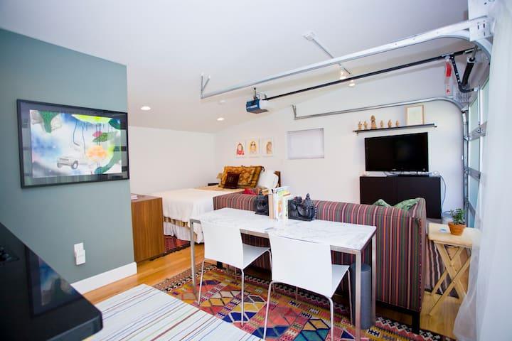 Private Guest House Studio