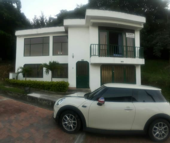 Casa campestre privada - Arbeláez - Hus