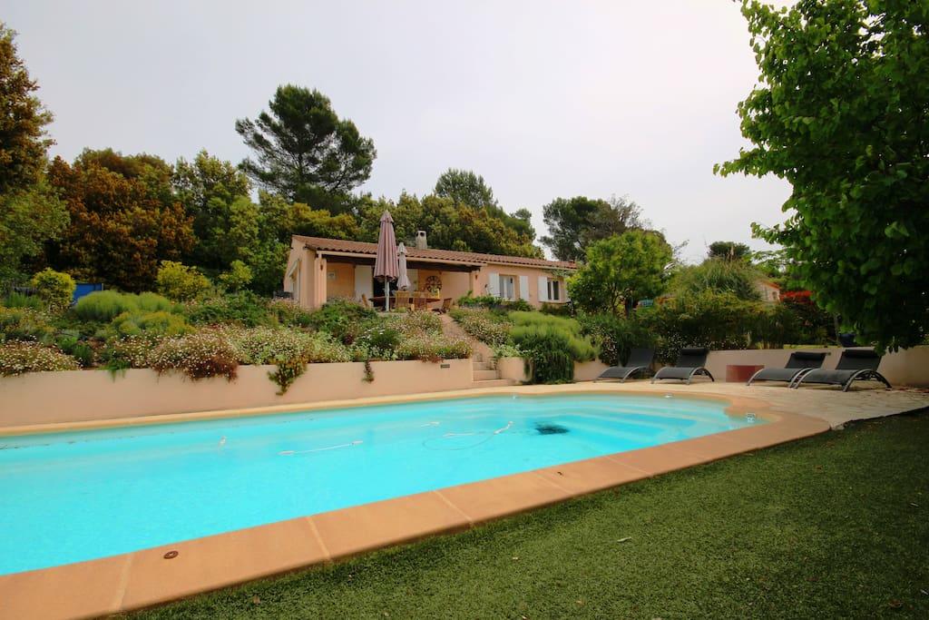 Villa 6 couchages calme piscine maisons louer for Location villa cote d azur piscine