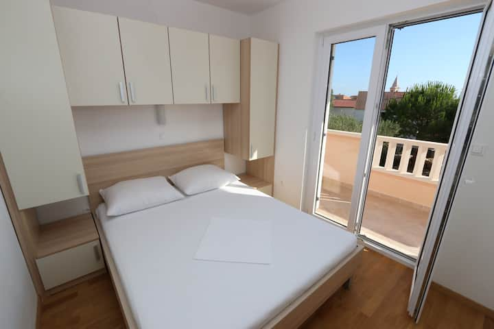 Birdy apartment 8 for 6 persons in Novalja