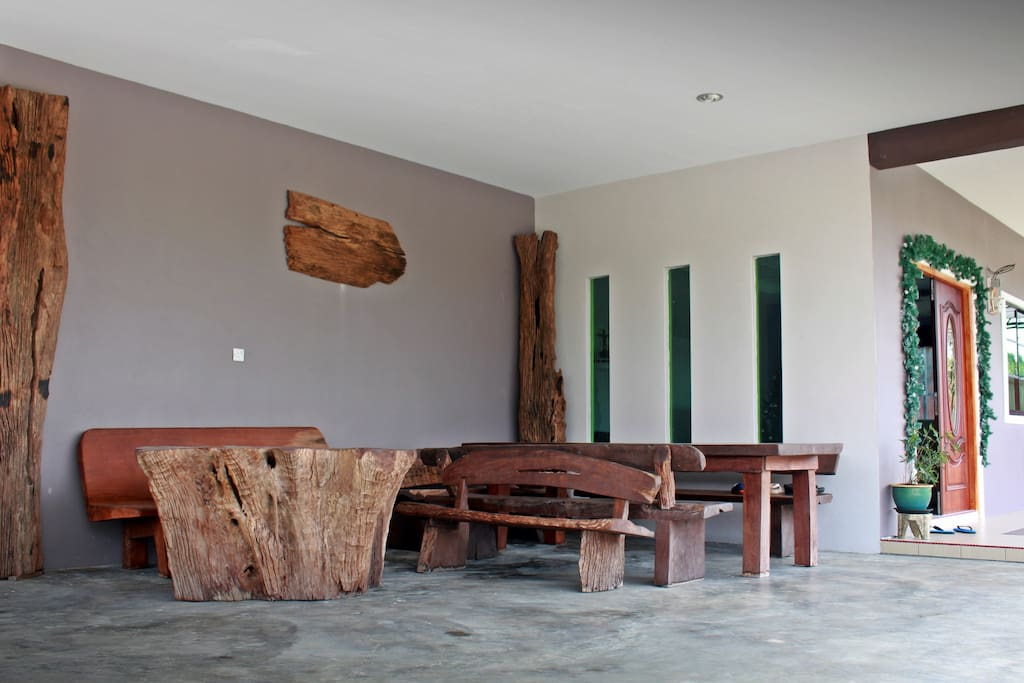 Have a cuppa with the loved ones while lounging in the log-like furnitures