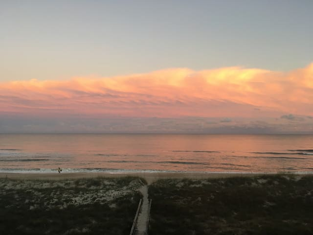 Surf's Edge Villa's 3B - Ocean Front