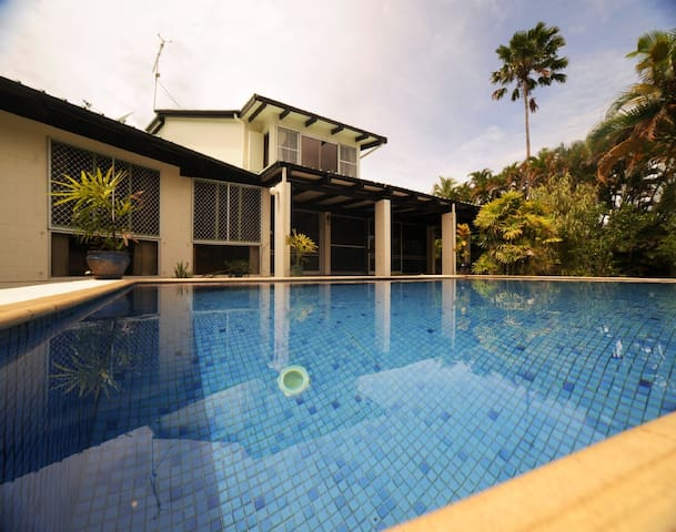 Beautiful House in Paradise with Pool/River Access - Pacific Harbour - House