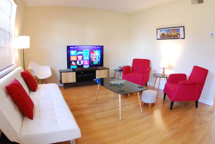 Clean, Bright, Uncluttered and Charming Townhouse!
