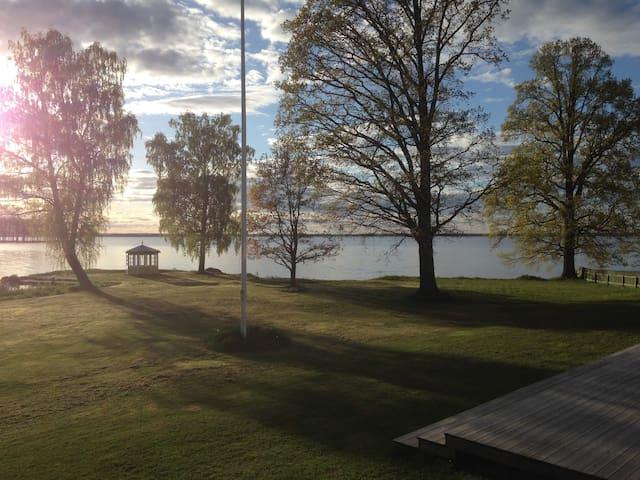Lake View Villa built 1896 - Stora Mellösa - Casa