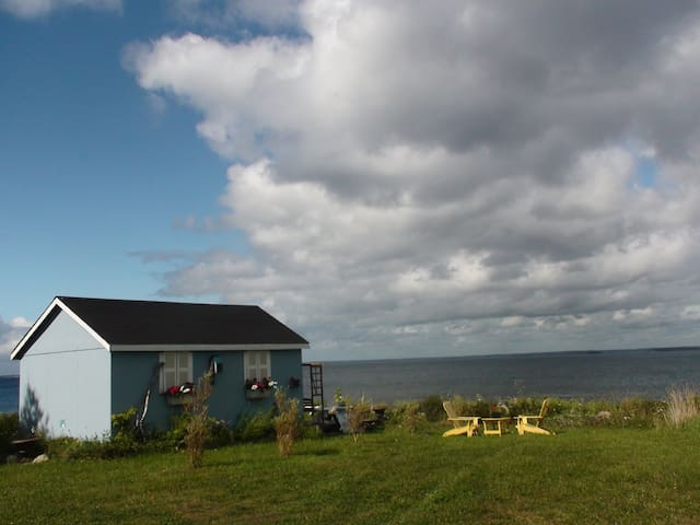 Oceanfront Kayak Shack, Sun & Surf - Blandford