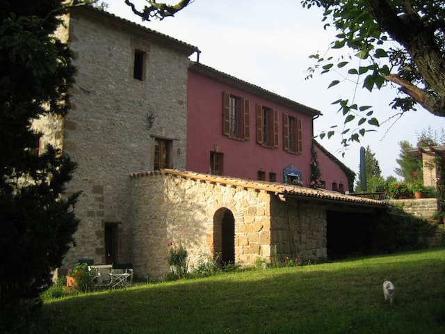 Toskanische Künstlervilla - Civitella - Huis