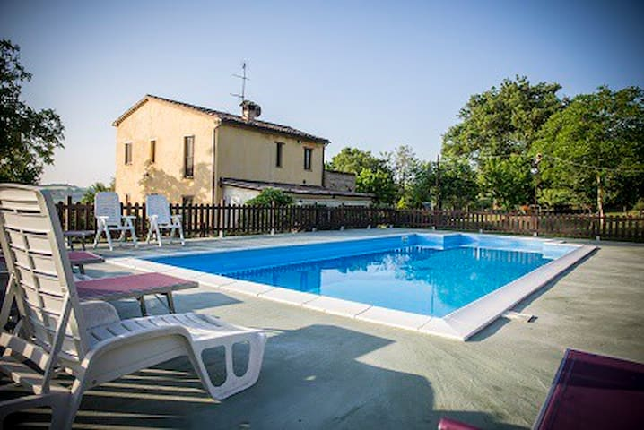 Luxury country villa with pool  - Passo Colmurano Sud - Dům