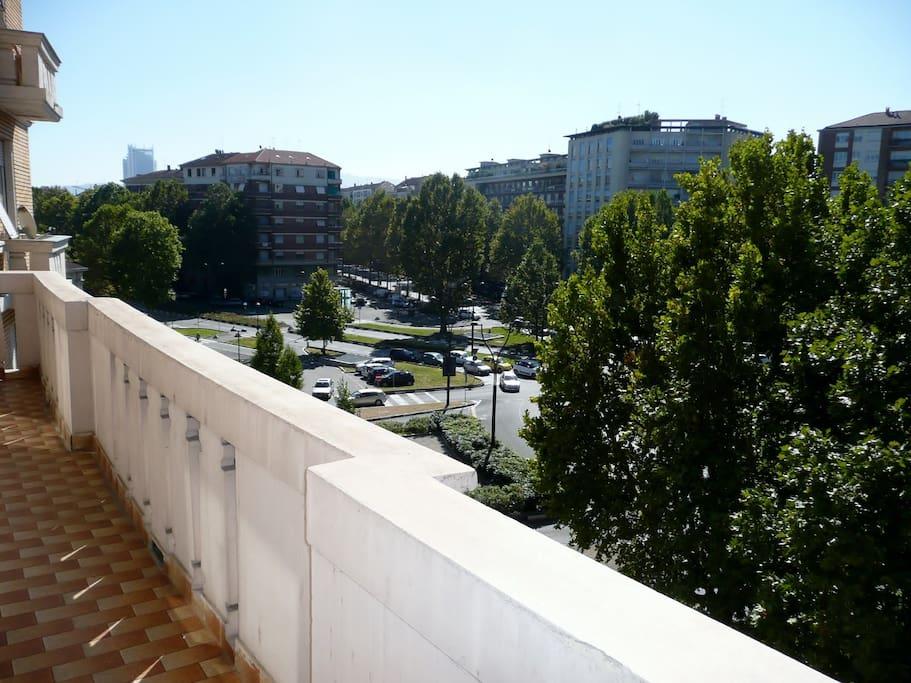 Piazza Rivoli dal balcone della casa