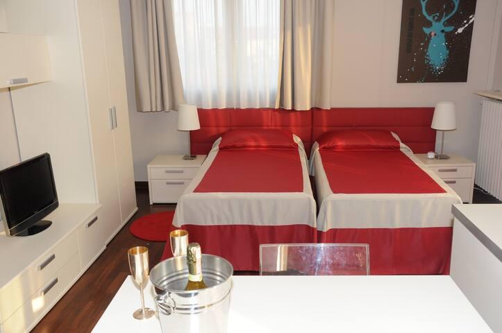 La tua casa fuori Casa - Segrate - Apartemen