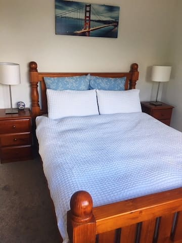 Brand new double bedroom, close to Trust Stadium