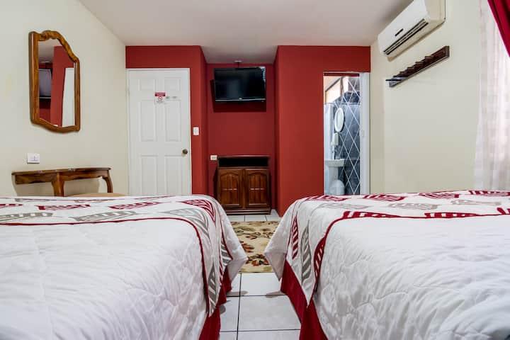 Habitación en Hotel a 5 minutos del Aeropuerto