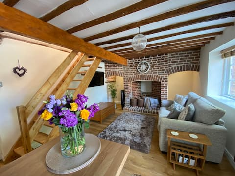 Willow Cottage, A Luxury Cotswold Retreat