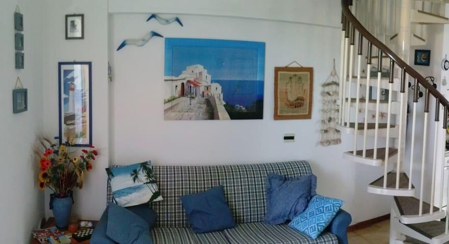 Appartamentino Duplex con panorama - Marcelli - Byt
