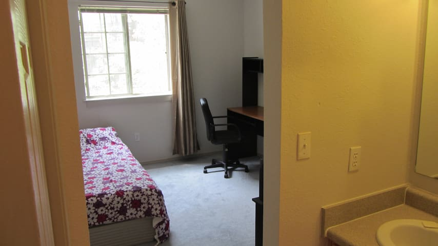 Fully furnished master bedroom - Los Alamos - Apartamento