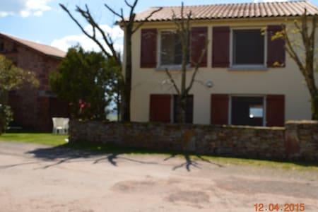 Maison dans le Colorado Aveyronnais Sud Aveyron - Rebourguil
