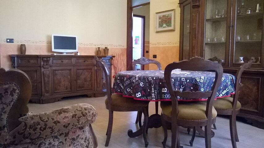 RHO FIERA. 3 posti letto, Vittuone - Vittuone - Bed & Breakfast