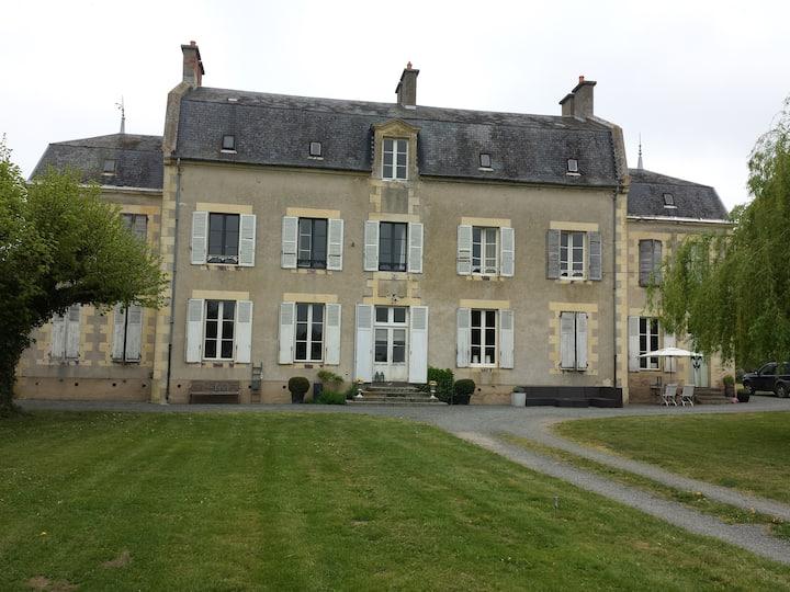 Château Oliveau (suite / chambre familial)