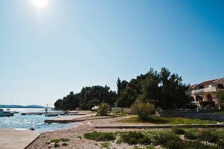 Pirovac (Tisno) Villa On the beach - Pirovac - Villa