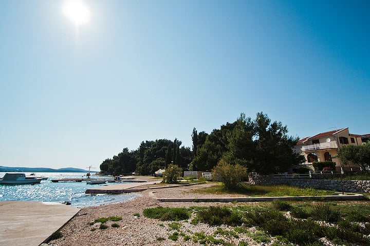 Pirovac (Tisno) Villa On the beach