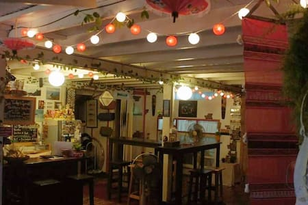 ThaiMex Cafe And homestay